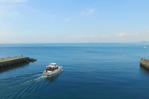 葉山マリーナ ヨット発祥の地『葉山』に建つ、江ノ島・裕次郎灯台周遊クルージング